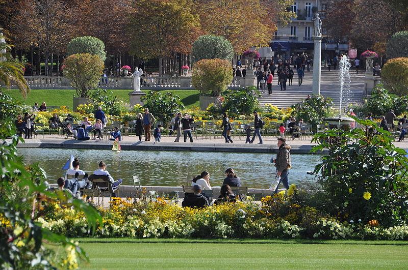 800px-jardin_du_luxembourg_22c_paris_29_september_2012