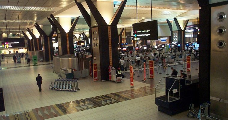 Travel Stories — Flughafen-Freundschaften