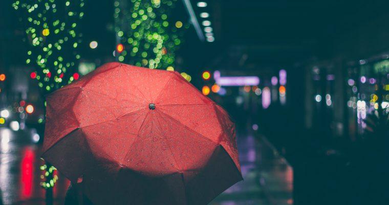 [:de]Kapstadt-Kolumne #10 — Luxusprobleme einer Auswanderin[:en]Kapstadt-Kolumne #10 — Sad song of a rain-loving expat[:]